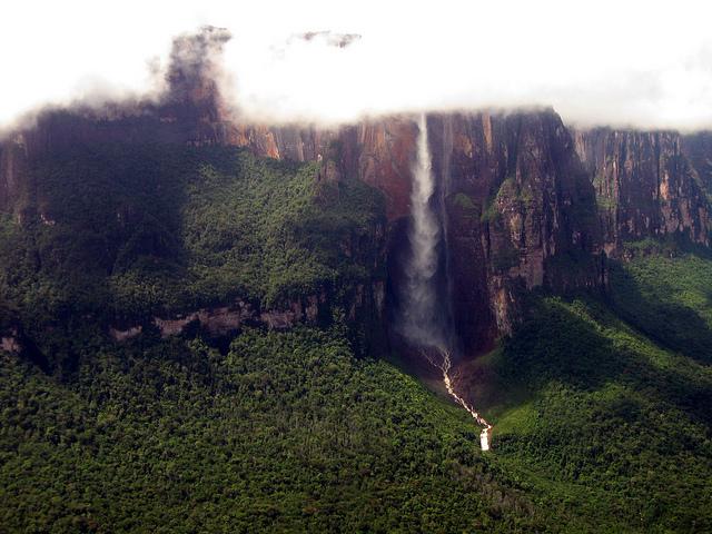 Foto: Canaima Nationalpark mit Salto Angel (Erik Cleves Kristensen - flickr.com)