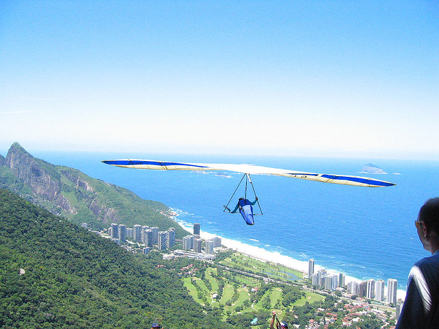 hanggliding.over.barra.jordan.fischer.flickr